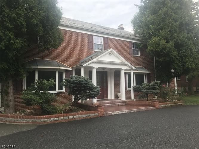 170 Passaic Ave, Roseland, NJ - USA (photo 2)