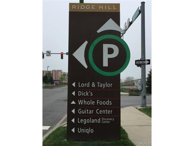 701 Ridge Hill Boulevard 1h, Yonkers, NY - USA (photo 2)