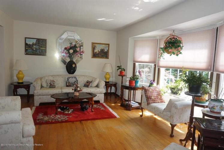 513 Tennent Road, Manalapan, NJ - USA (photo 3)