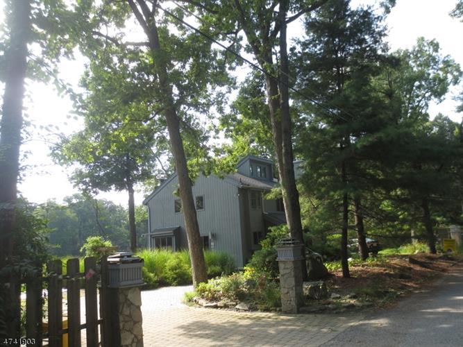 302 W Lakeshore Dr, Vernon, NJ - USA (photo 1)
