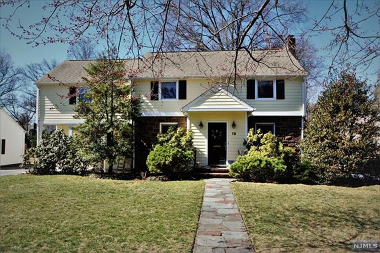 19 Belmont Road, Glen Rock, NJ - USA (photo 1)