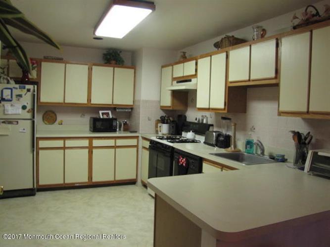 366 Oak Knoll Drive 36-6, Manalapan, NJ - USA (photo 4)