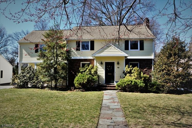 19 Belmont Rd, Glen Rock, NJ - USA (photo 1)