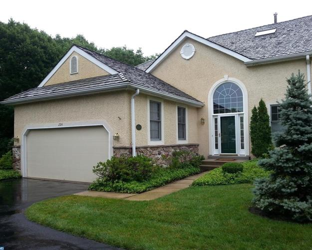 204 Yorktown Pl #104 104, Berwyn, PA - USA (photo 1)