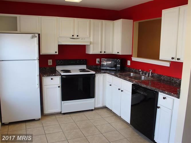 345 Moseby Ct, Manassas Park, VA - USA (photo 5)