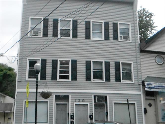 129 Main St  Apt 4, Bloomingdale, NJ - USA (photo 1)