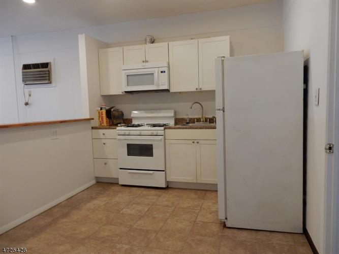 129 Main St  Apt 4, Bloomingdale, NJ - USA (photo 3)