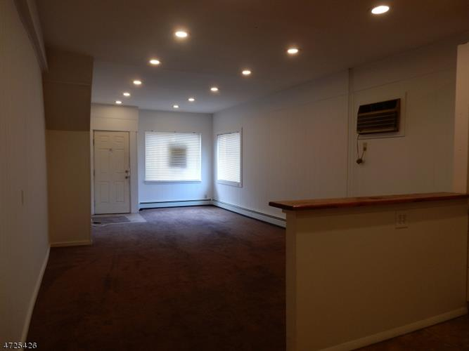 129 Main St  Apt 4, Bloomingdale, NJ - USA (photo 5)