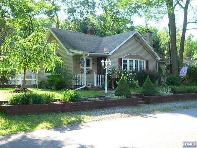 63 Greenwood Ave, Pequannock Township, NJ - USA (photo 2)
