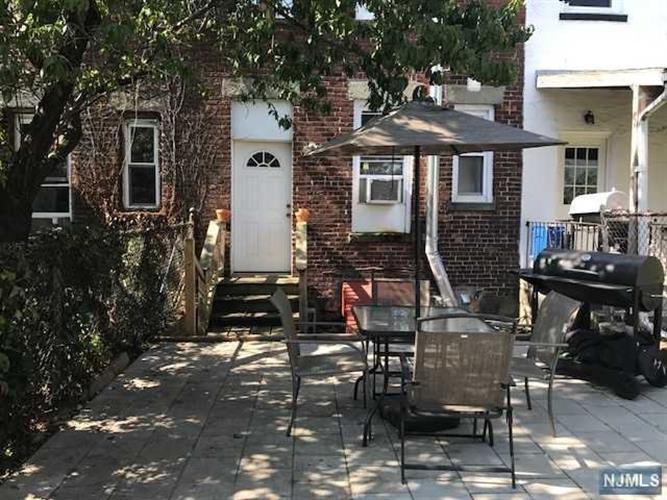 316 70th St, Guttenberg, NJ - USA (photo 5)