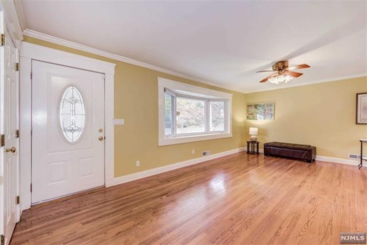 157 Vivian Avenue, Emerson, NJ - USA (photo 2)