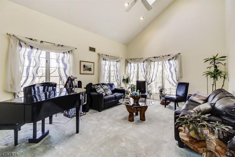 24 Paderewski Rd, Jefferson Township, NJ - USA (photo 4)