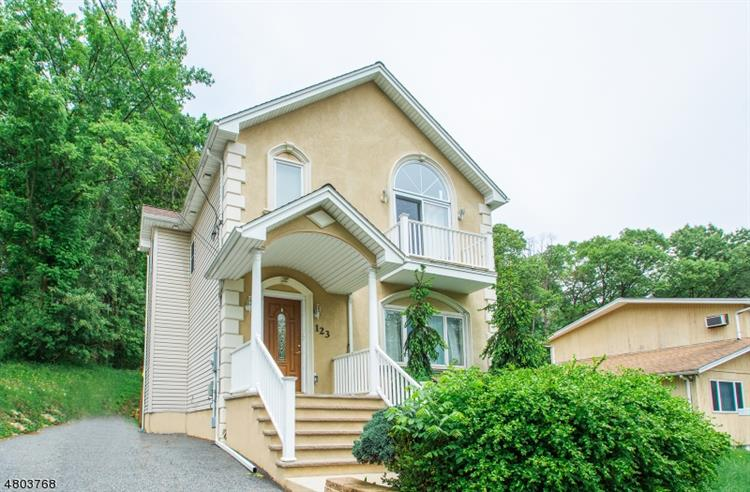 109 Rock Rd, Hawthorne, NJ - USA (photo 1)