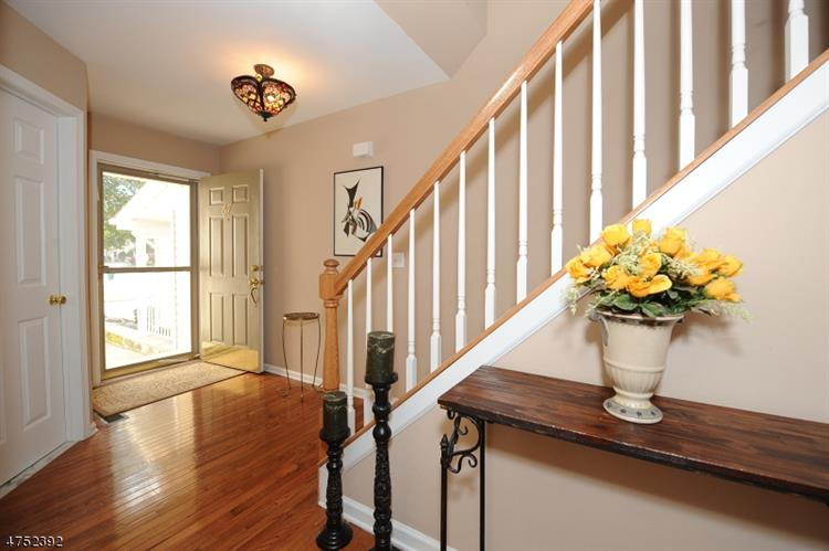67 Mountainside Dr 63, Pompton Lakes, NJ - USA (photo 2)