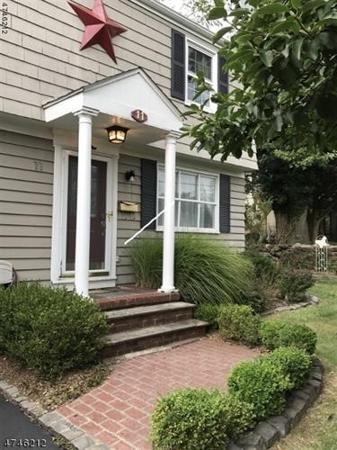 11 Squirehill Dr, Cedar Grove, NJ - USA (photo 1)