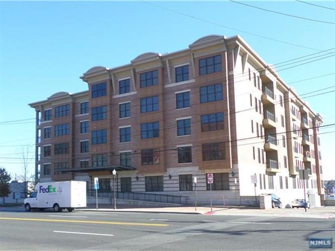 54 Polifly Road, Unit 109 109, Hackensack, NJ - USA (photo 1)