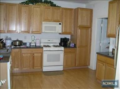36 George Russell Way, Clifton, NJ - USA (photo 4)