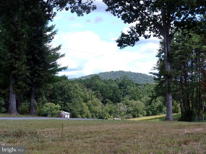 Aaron Mountain Rd, Castleton, VA - USA (photo 4)