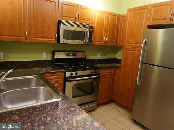 12937 Centre Park Circle 106, Herndon, VA - USA (photo 5)