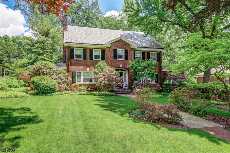425 Twin Oak Rd, South Orange, NJ - USA (photo 1)