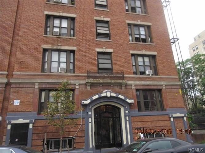 212 East Tremont Avenue 2, Bronx, NY - USA (photo 1)