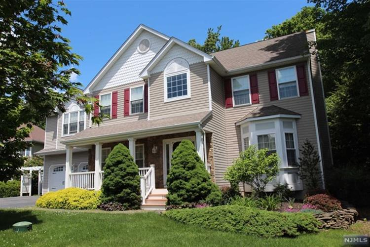 10 Anna Rose Ct, Bloomingdale, NJ - USA (photo 1)