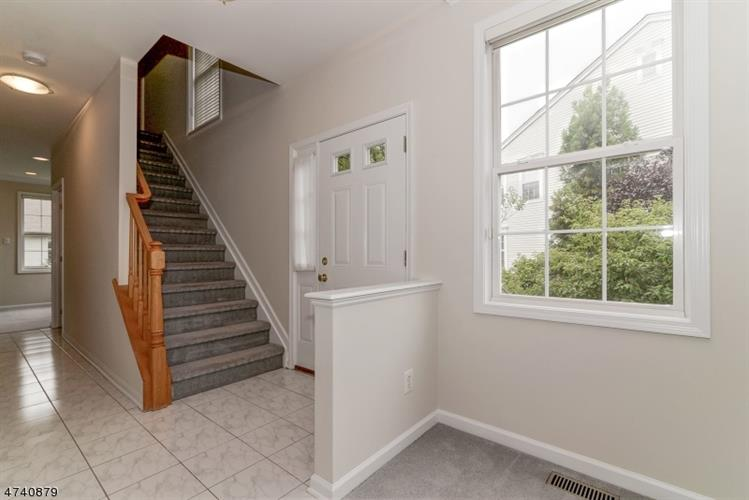 224 Swathmore Dr, Nutley, NJ - USA (photo 2)