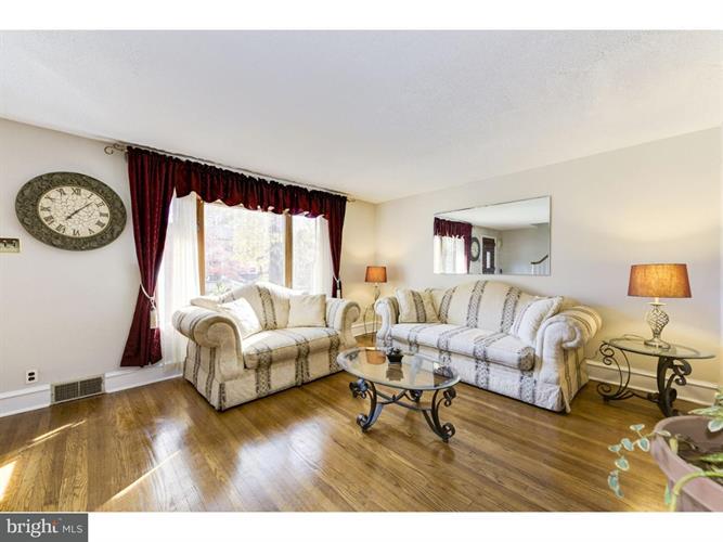 15 W Summerfield Avenue, Collingswood, NJ - USA (photo 5)