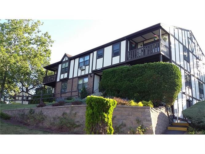 675 Sierra Vista Lane, Valley Cottage, NY - USA (photo 2)