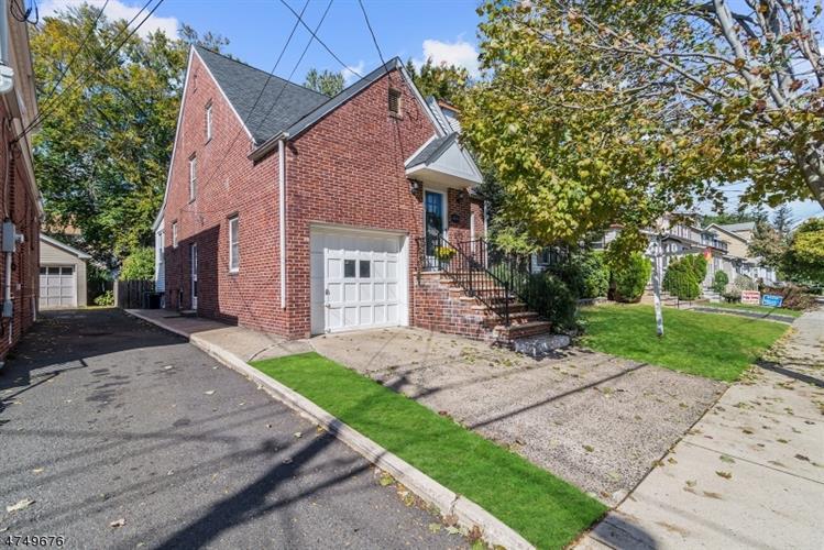 21 Menzel Ave, Maplewood, NJ - USA (photo 2)