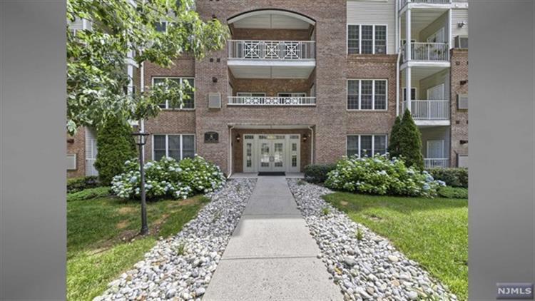 8402 Sanctuary Blvd 8402, Riverdale, NJ - USA (photo 2)