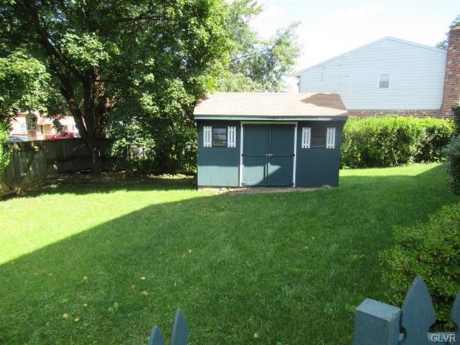 1828 Aster Road, Macungie, PA - USA (photo 2)