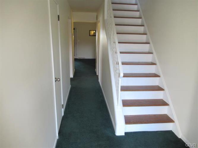 1828 Aster Road, Macungie, PA - USA (photo 4)