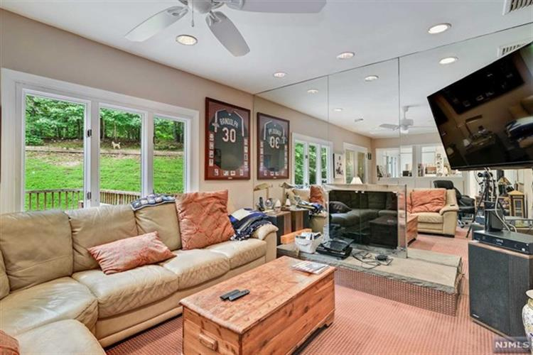 681 Glendale Rd, Franklin Lakes, NJ - USA (photo 3)