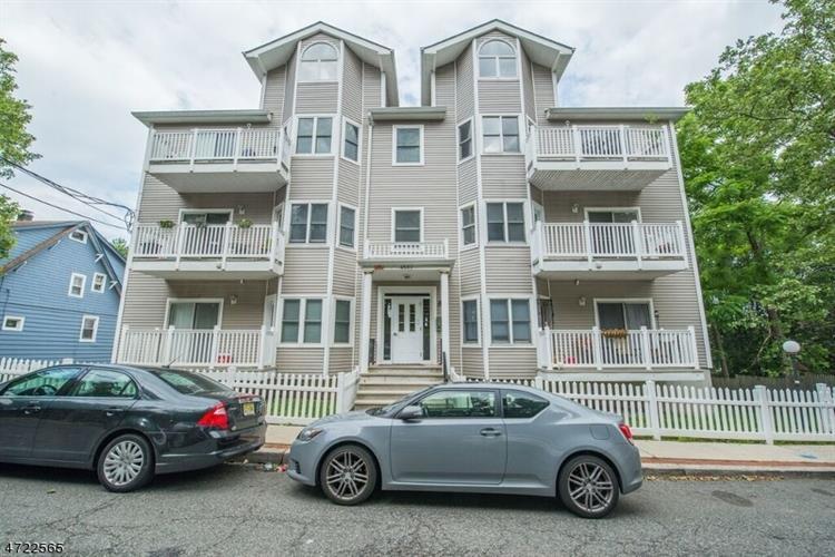 4501 Bergenwood Ave 8, North Bergen, NJ - USA (photo 1)