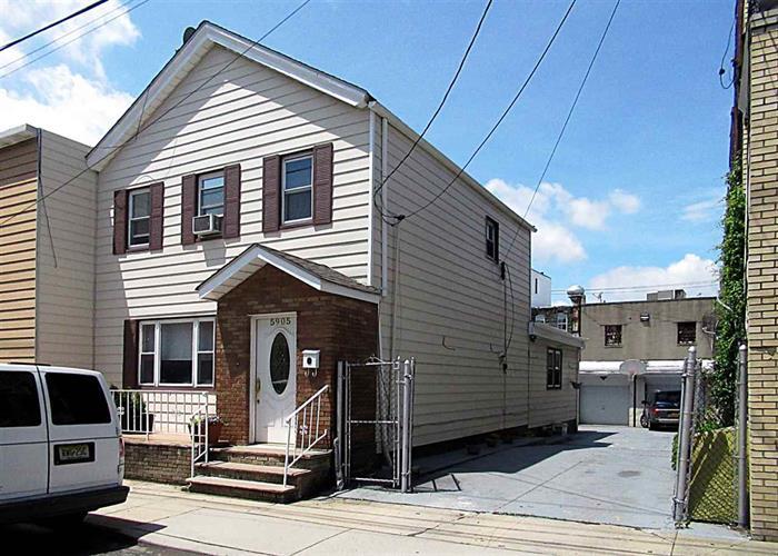 5905 Washington St, West New York, NJ - USA (photo 1)