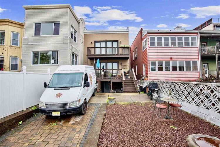 266 Ogden Ave, Jersey City, NJ - USA (photo 2)