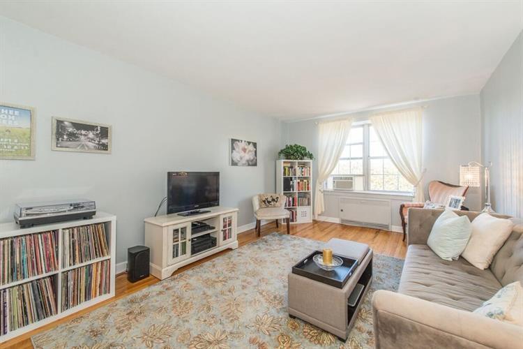 8400 Blvd East 3f, North Bergen, NJ - USA (photo 1)