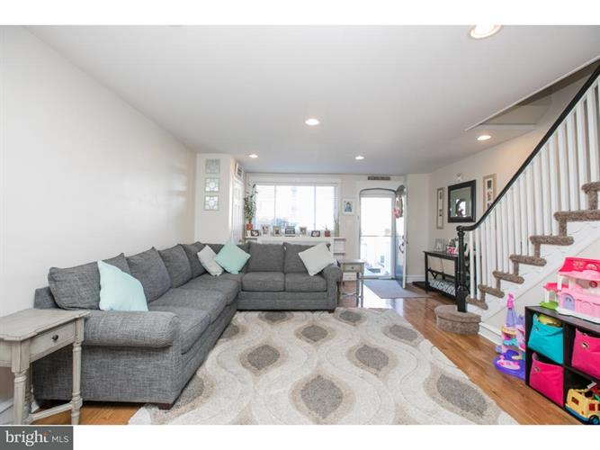 237 N Linden Avenue, Upper Darby, PA - USA (photo 3)