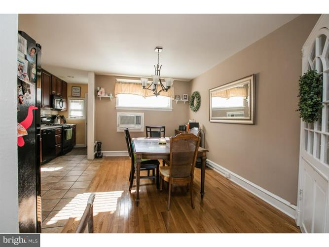 237 N Linden Avenue, Upper Darby, PA - USA (photo 5)