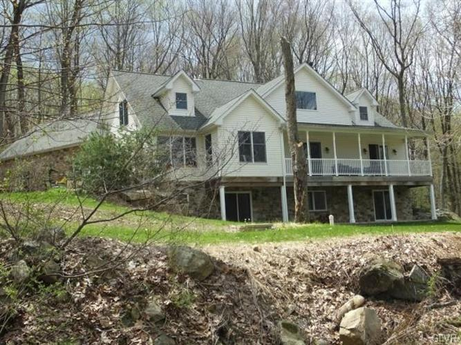 4261 Helms Road, Hellertown, PA - USA (photo 1)