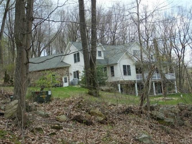 4261 Helms Road, Hellertown, PA - USA (photo 2)