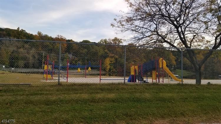 11-13 Harvey Hill, Vernon, NJ - USA (photo 5)