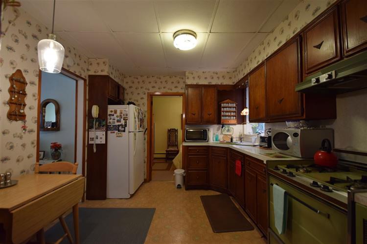 194-196 Pearsall Ave, Unit #8 8, Jersey City, NJ - USA (photo 3)