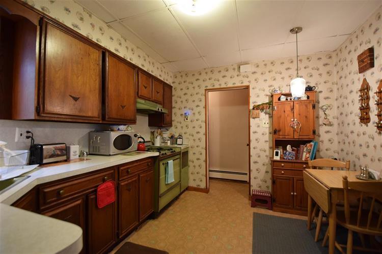194-196 Pearsall Ave, Unit #8 8, Jersey City, NJ - USA (photo 4)