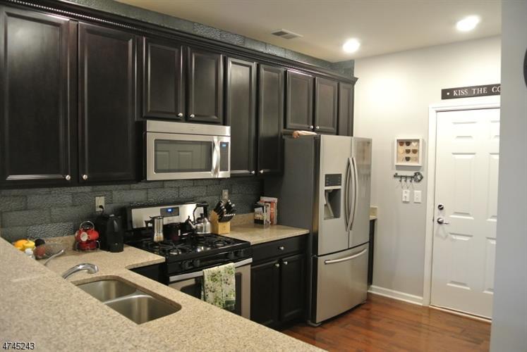 21 Clover Ln, Garfield, NJ - USA (photo 5)