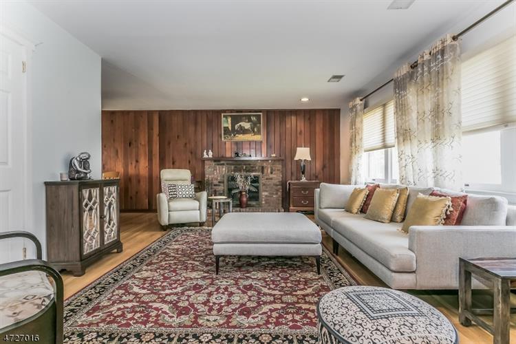 389 Lincoln Ave E, Cranford, NJ - USA (photo 2)