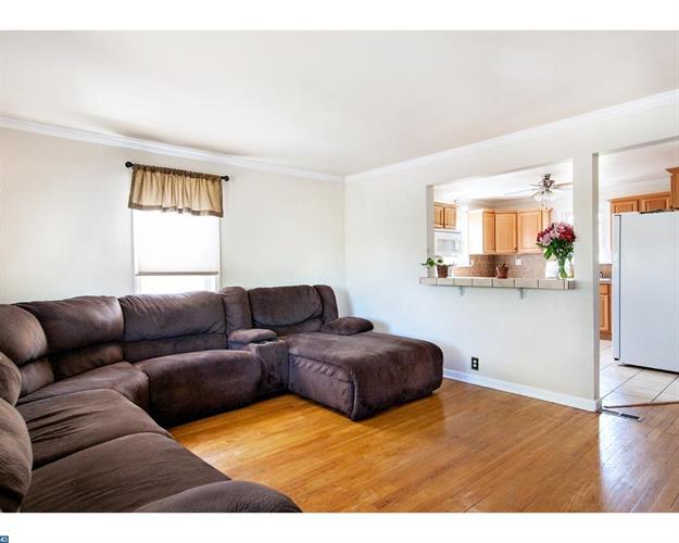 577 Belmont St, Pottstown, PA - USA (photo 3)