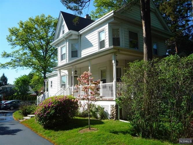 974 South Maple Avenue, Glen Rock, NJ - USA (photo 1)