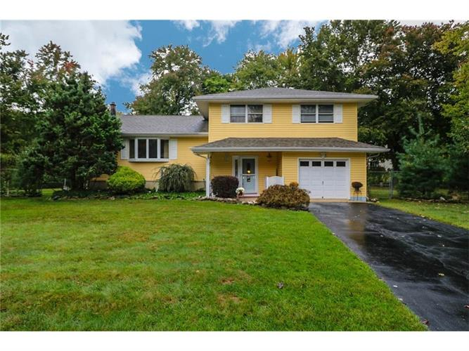 5 Biernacki Court, East Brunswick, NJ - USA (photo 1)